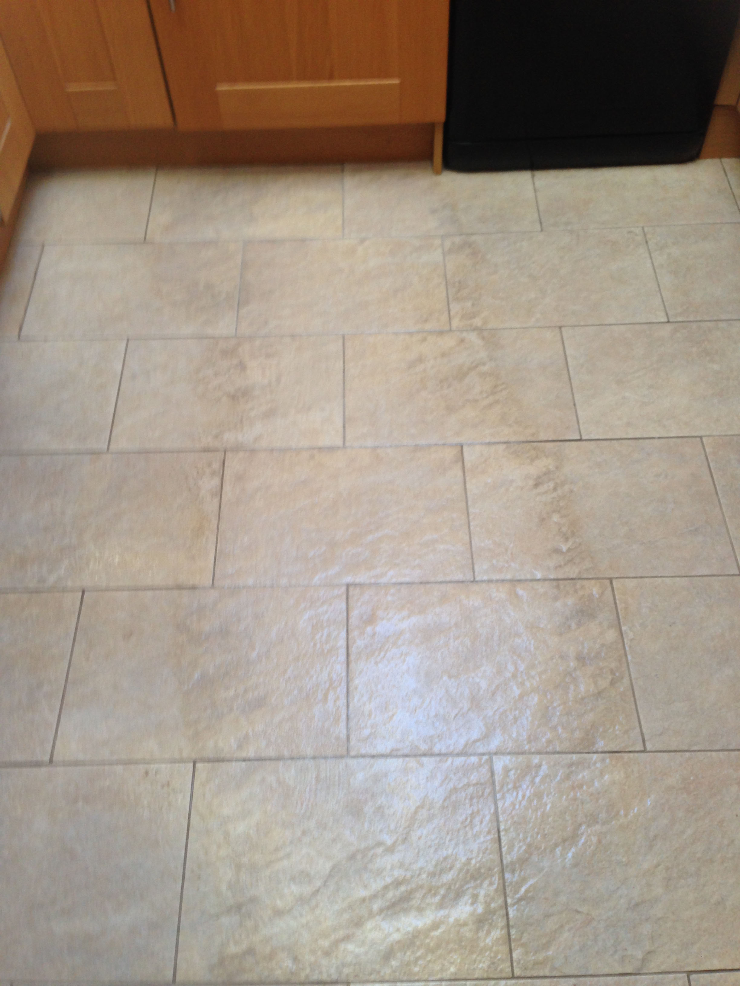 Cleaning Dirty Bathroom Floor Tiles: Deep cleaning quarry tile floors.